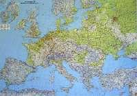 Európa autótérképe domborzatábrázolással írható, letörölhető műanyag borítással Mérete 124 x 88 cm.